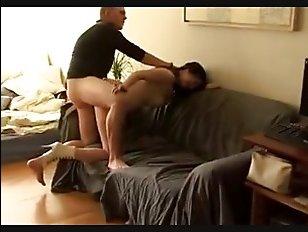 Парень любит, когда девушки с большими титьками отсасывают ему перед соитием