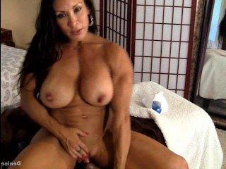 Порно видео зрелых с грудью внушительных размеров, что любят дрочить