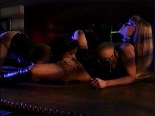 Эротический массаж с большими сиськами плавно переходит в страстный секс